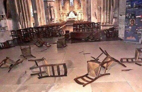 Представители мирной религии убивают и угрожают за неё