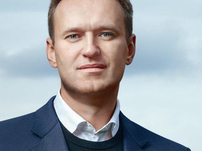Навальный - фейковая оппозиция для молодёжи