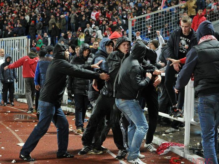 Почему среди футбольных хулиганов популярна песня Максим