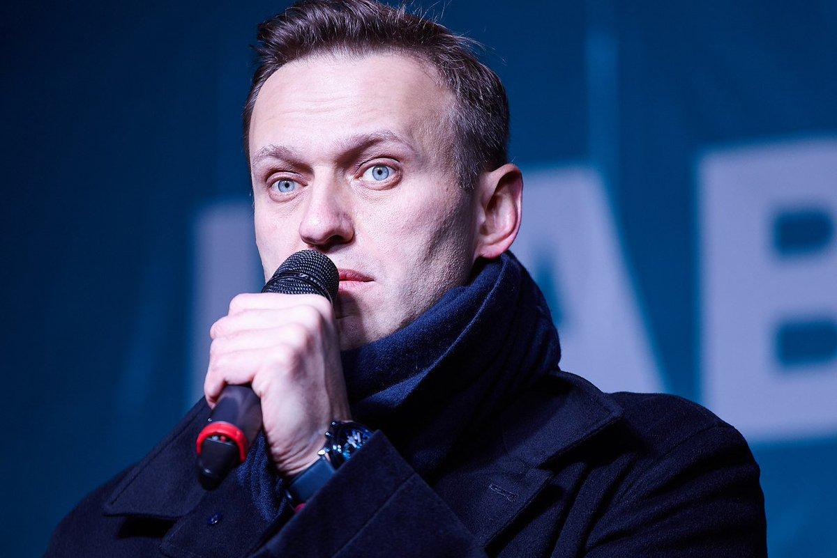 Более 34% жителей РФ не верят в отравление Навального