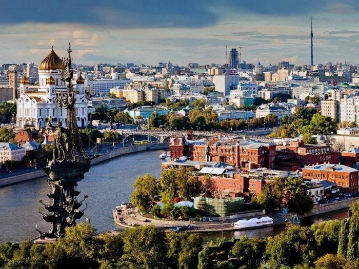 Мэрия Москвы платит за замещение русских