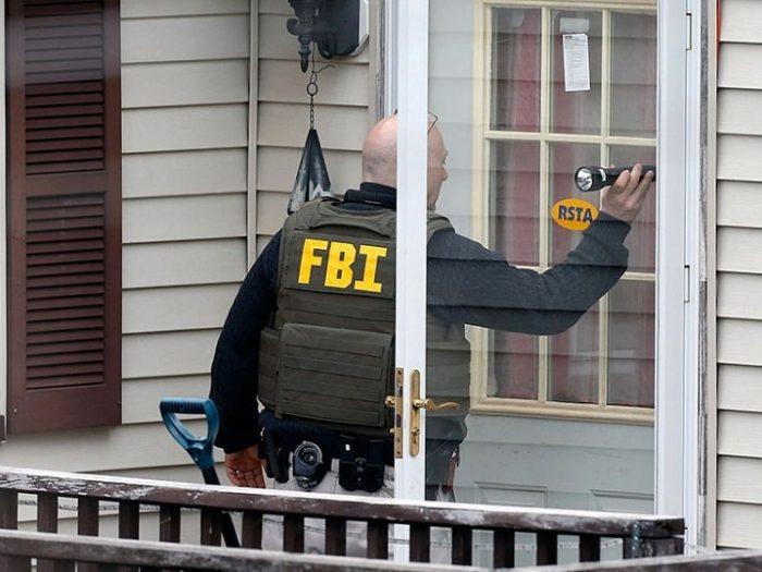 Директор ФБР пожаловался на рост внутреннего терроризма